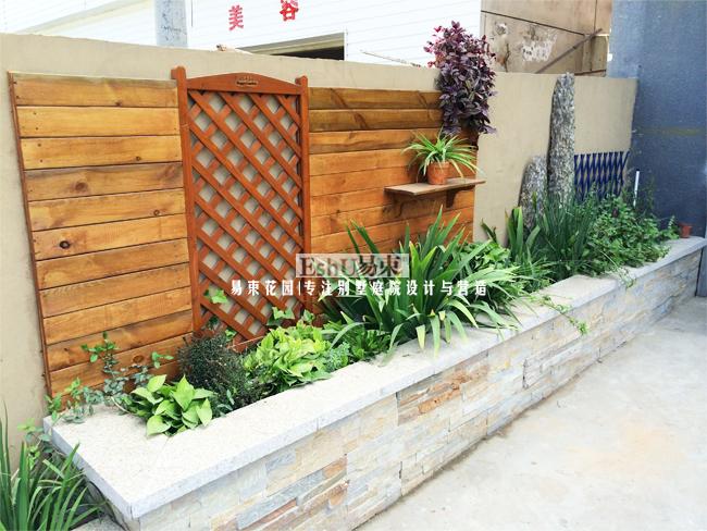 案例展示 施工作品   项目简介 庭院面积:20平米       设计风格:田园