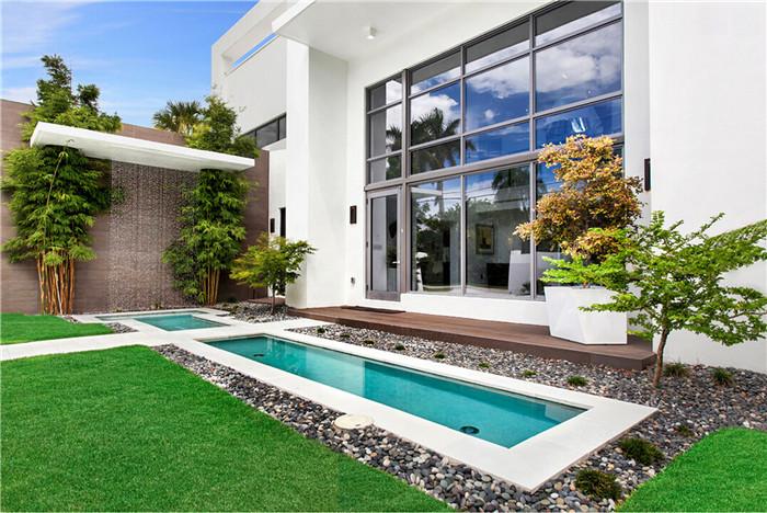 别墅游泳池水幕墙